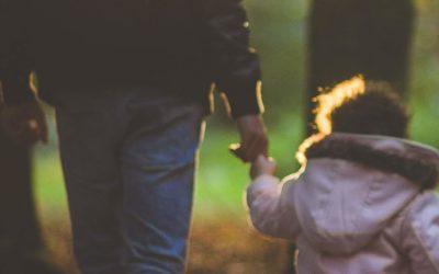 Wird der zeitliche Abstand zwischen Tat und Urteil beim sexuellen Missbrauch eines Kindes strafmildernd berücksichtigt?